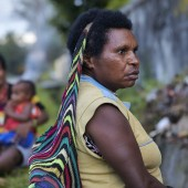 Knokkelgroet op Papoea © Jaco Klamer www.klamer-staal.nl