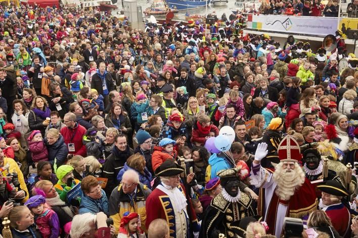 Zoek de Sint © Jaco Klamer www.klamer-staal.nl