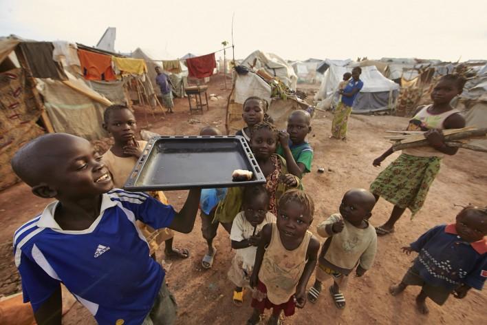 Kinderen zwoegen en zweten voor eten