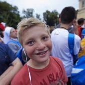 Aron ziet de paus in Polen