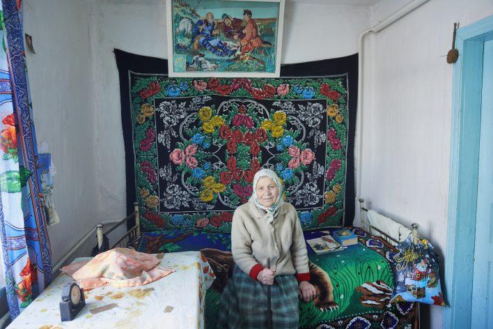 Oud in Oekraïne © Jaco Klamer www.klamer-staal.nl