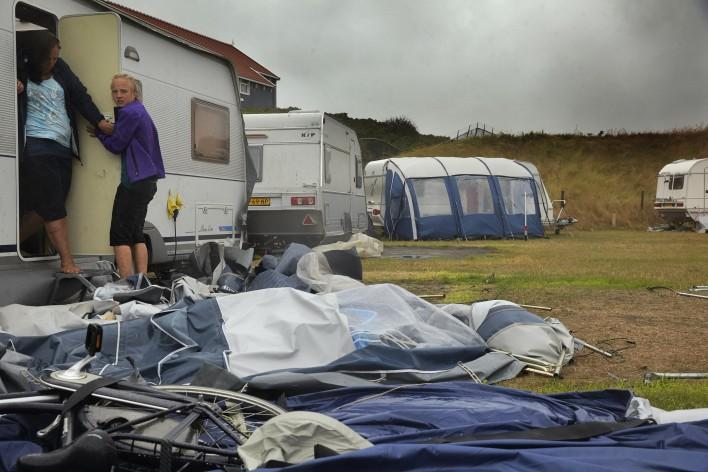 Zomerstorm blaast vakantie aan flarden