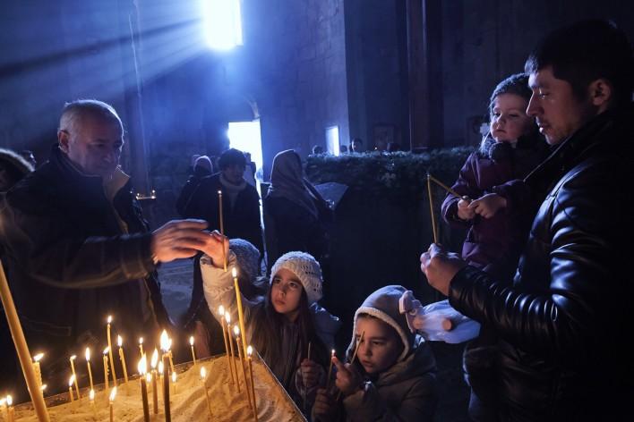 Aangrijpend Georgië © Jaco Klamer www.klamer-staal.nl