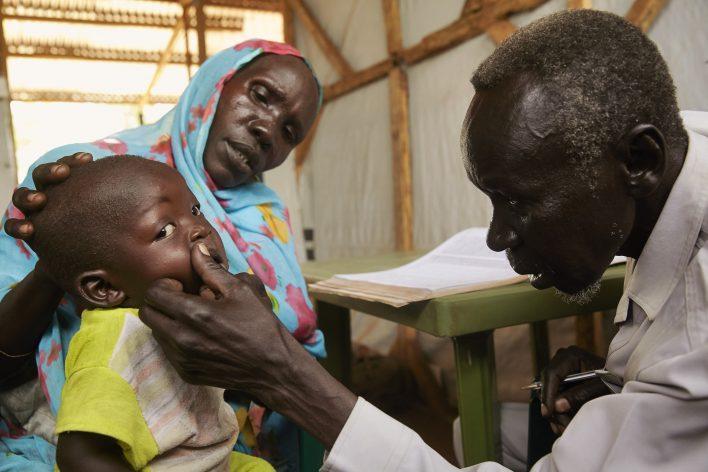 Zorg in Zuid-Soedan © Jaco Klamer www.klamer-staal.nl