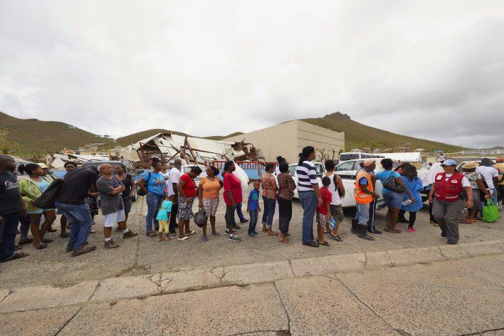Stilte na storm op Sint-Maarten © Jaco Klamer www.klamer-staal.nl