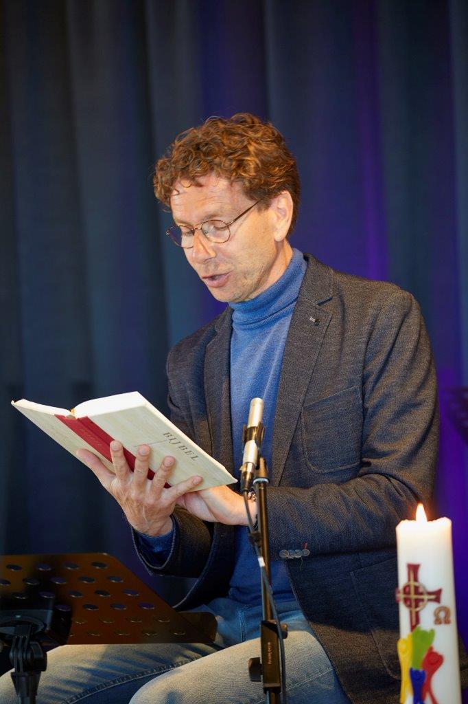 Kerkdienst online © Jaco Klamer www.klamer-staal.nl