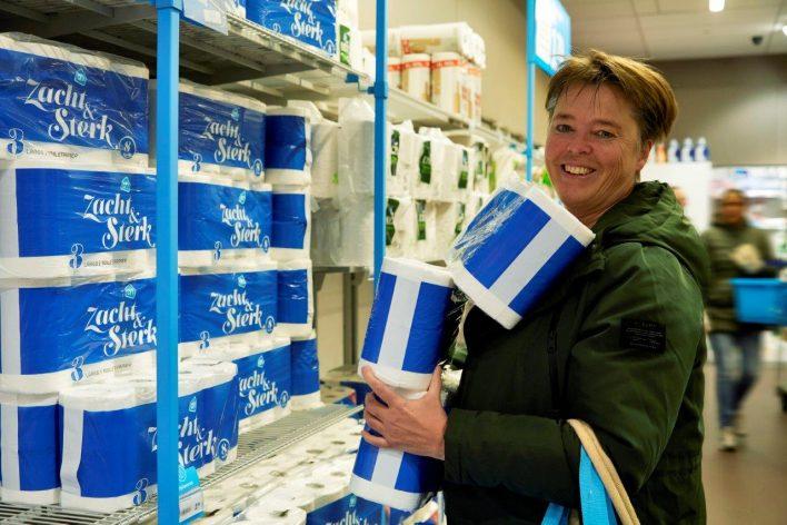 Coronacrisis © Jaco Klamer www.klamer-staal.nl